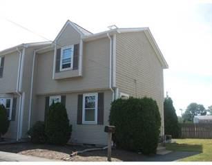 Townhouse for sale in 20 Fourth Avenue 20, Warwick, RI