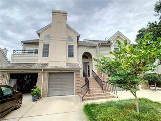 Townhouse for sale in 1019 Hanson Way, Virginia Beach, VA, 23454