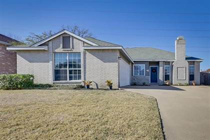 Residential for sale in 5014 Creek Valley Drive, Arlington, TX, 76018