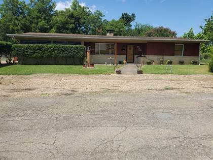 Residential Property for sale in 707  North 6th, Hugo, OK, 74743