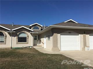 Townhouse for sale in 627 11th STREET, Humboldt, Saskatchewan, S0K 2A0