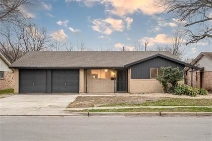 Residential for sale in 819 Susan Drive, Arlington, TX, 76010