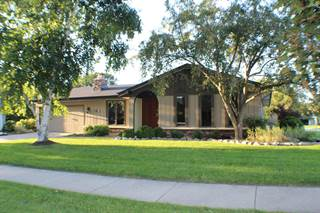 Single Family for sale in 3520 W Southwood Dr, Franklin, WI, 53132