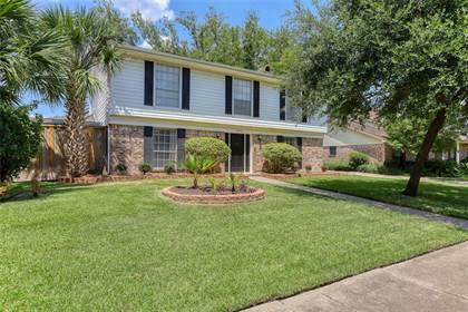 Residential Property for sale in 10730 Cedar Creek Drive, Houston, TX, 77042