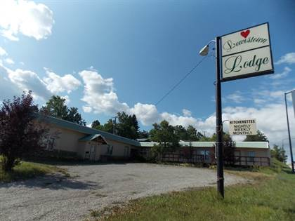 Commercial for sale in 1001 Main St, Lewistown, MT, 59457