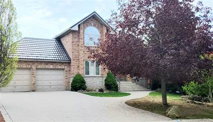 Residential Property for sale in 12 Oldoakes Pl, Hamilton, Ontario, L9G 4W9