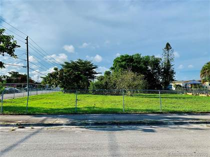 Residential for sale in 22055 SW 114 Ave, Miami, FL, 33170