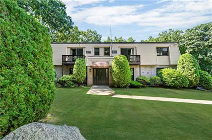 Residential for sale in 15 APPLE VALLEY Parkway 10, Greater Greenville, RI, 02828