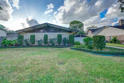 Residential for sale in 8810 Ferris Drive, Houston, TX, 77096