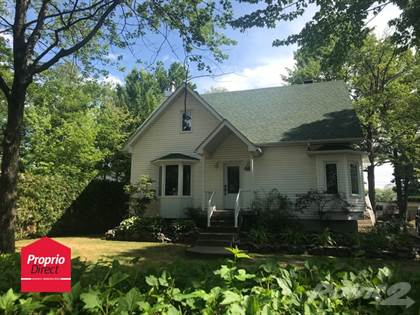 Residential Property for sale in 230 Rue Arcand, Lavaltrie, Quebec, J5T2W9