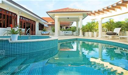 Residential Property for sale in Outstanding Investment Opportunity - Large 8 Bedroom Villa in Exclusive Neighborhood, Casa De Campo, La Romana