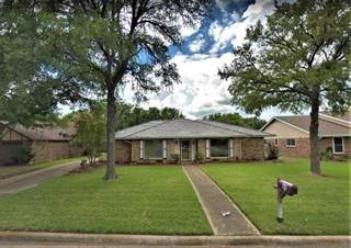 Single Family for sale in 1313 Chestnut Road, Mansfield, TX, 76063