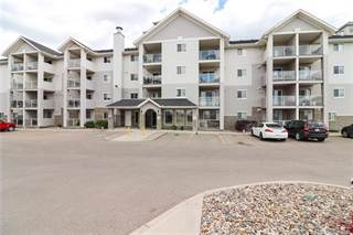 Condo for sale in 1632 Saamis Drive NW 303, Medicine Hat, Alberta, T1C 4X3
