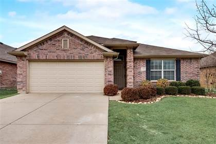 Residential for sale in 412 Lead Creek Drive, Fort Worth, TX, 76131