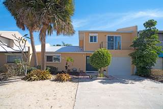 Townhouse for sale in 36 Colonial Drive, Cocoa Beach, FL, 32931