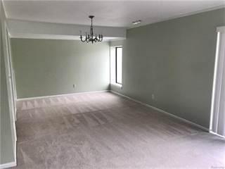 Condo for sale in 18205 UNIVERSITY Drive, Livonia, MI, 48152