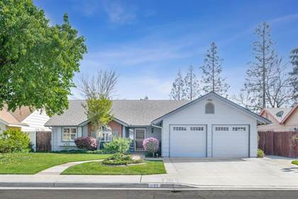 Residential for sale in 1177 E Decatur Avenue, Fresno, CA, 93720