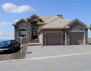 Condo for sale in 194 GLENEAGLES ESTATE LN, Cochrane, Alberta