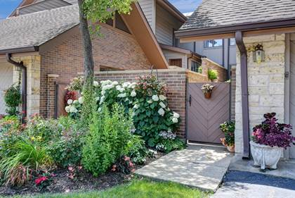 Residential Property for sale in 1204 Hawthorne Lane 7D, Hinsdale, IL, 60521