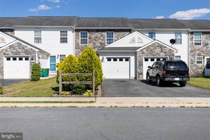 Residential for sale in 3004 ORCHARD DR, Chambersburg, PA, 17201
