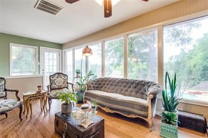 Residential for sale in 2518 Bridal Wreath Lane, Dallas, TX, 75233