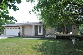 Single Family for sale in 5005 Surrey LN, Greendale, WI, 53129