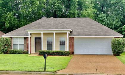 Residential for sale in 1104 BULLRUN DR, Byram, MS, 39272