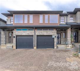 Townhouse for rent in 30 TIMES SQUARE Boulevard 33, Hamilton, Ontario