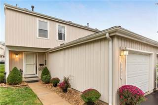 Townhouse for sale in 8601 W 108th Place, Overland Park, KS, 66210