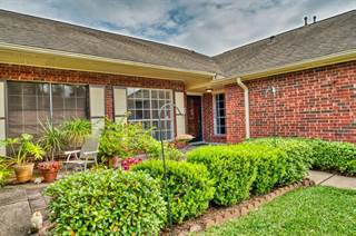 Townhomes for Sale in Pearland - 2 Townhouses in Pearland