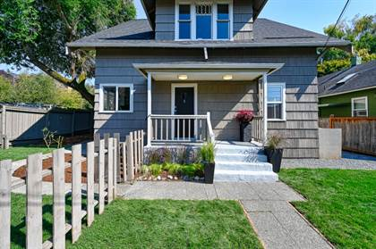 Multifamily for sale in 6416 17th Ave NW, Seattle, WA, 98117