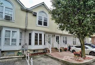 Townhouse for sale in 25 Brad Lane, Staten Island, NY, 10314