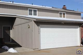 Townhouse for sale in 5342 SW Chelsea CT, Topeka, KS, 66604