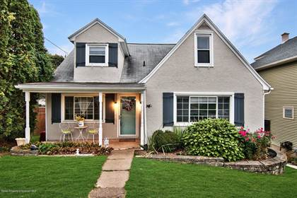 Residential for sale in 187 Phillips St, Throop, PA, 18512