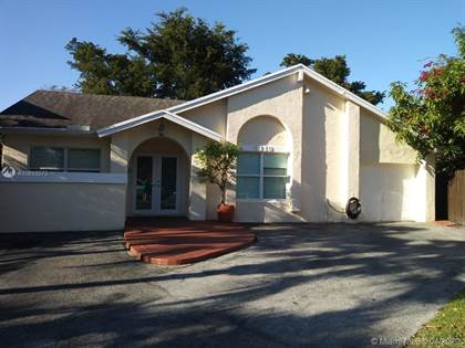 Residential for sale in 5110 SW 153rd Pl N, Miami, FL, 33185
