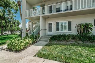 Condo for sale in 2070 World Parkway Blvd. 2, Clearwater, FL, 33763