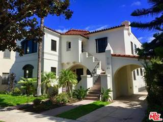 Condo for rent in 212 South DOHENY Drive, Beverly Hills, CA, 90211
