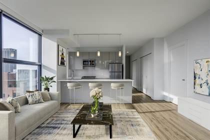 Apartment for rent in 808 W. Van Buren, Chicago, IL, 60607