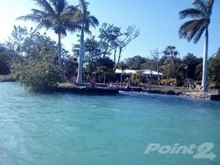 Residential Property for sale in Spacious 2 bed 2 bath waterfront villa on 2.4 acre in northern Belize, 4 Mile Lagoon, Corozal District