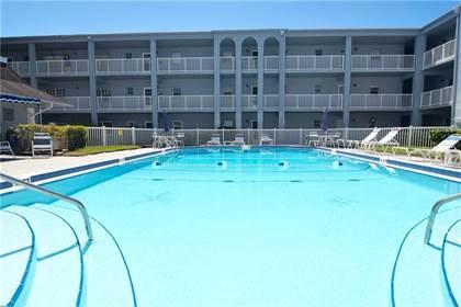 Residential Property for sale in 1706 BELLEAIR FOREST DRIVE 220, Belleair, FL, 33756