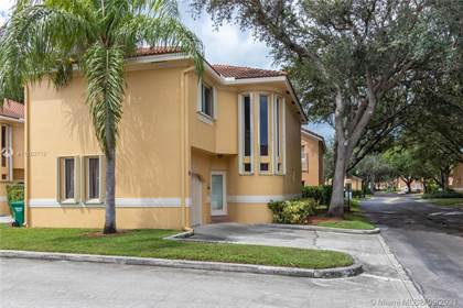 Residential Property for sale in 11207 Lakeview Dr, Coral Springs, FL, 33071