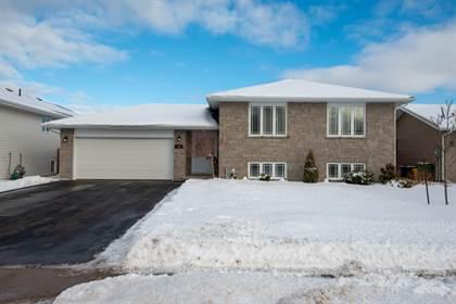 Residential Property for sale in 46 Oak Ave, Petawawa, Ontario, K8H 0B5