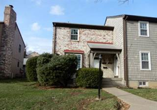 Townhouse for sale in 6779 N Askew Circle, Gladstone, MO, 64119