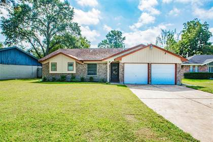 Residential for sale in 7127 Shady Moss Lane, Houston, TX, 77040