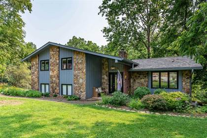 Residential Property for sale in 2303 S Woodbluff Court, Bloomington, IN, 47401
