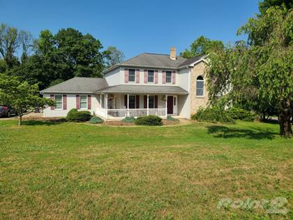 Residential for sale in 747 Golden Eagle Drive, Bushkill Township, PA, 18064
