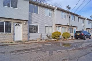 Townhouse for sale in 18 Walker Drive, Staten Island, NY, 10303