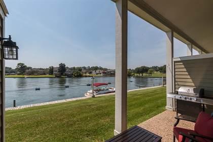 Condominium for sale in 61 April Point Drive, Montgomery, TX, 77356