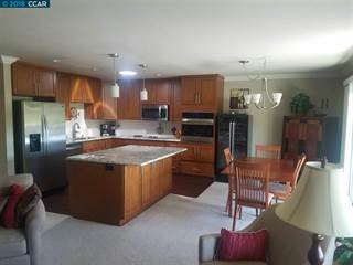 Condo for sale in 1232 Skycrest Dr 5, Walnut Creek, CA, 94595