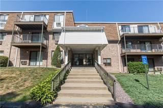 Condo for sale in 756 Quaker Lane A210, Warwick, RI, 02818